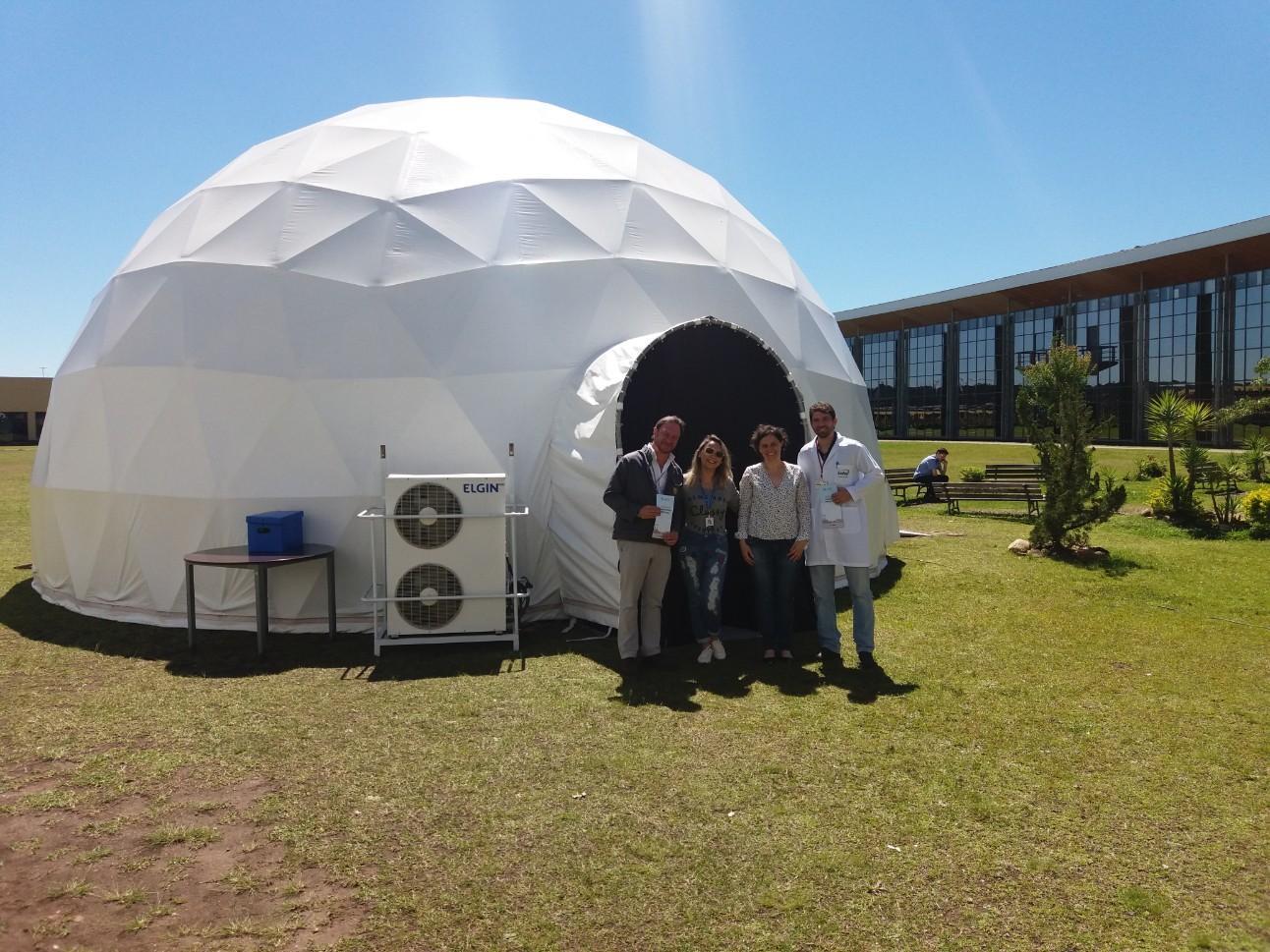 Dome Geodésico, instalado na fábrica da Renault, foi utilizado na capacitação dos líderes durante o projeto                                           de Gestão para Longevidade